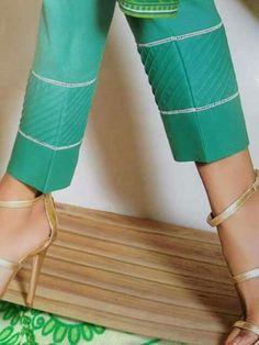 Salwar Neck Designs, Kurta Neck Design, Kurta Designs Women, Dress Neck Designs, Designs For Dresses, Pakistani Fashion Casual, Pakistani Dress Design, Leggings Fashion, Fashion Pants
