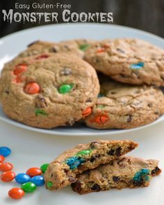 These gluten-free monster cookies are popping with color and flavor. Semi-homemade and easy, they bring back the favorite past time of after school snacks. / @gfreefrenzy