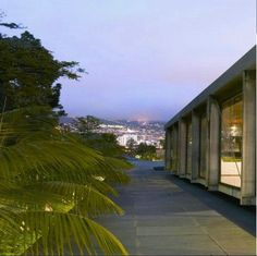 The hotel         Relax and unwind...  www.quintacasabranca.com    Quinta da Casa Branca is a heaven of peace and tranquility.