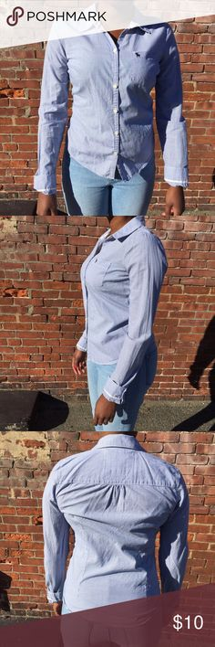 🎀 Abercrombie and Fitch Checkered Button Down Abercrombie and Fitch Blue and White Checkered Button Down Collard Shirt. Great, Pre-Loved condition ❣🔶Reasonable Offers Welcomed!!🔶 🔷Bundle to Save!!🔷 Abercrombie & Fitch Tops Button Down Shirts