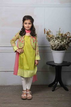 Best light green kurti with pink dupatta for Pakistani little girls Mariab kids party dresses 2017 for wedding