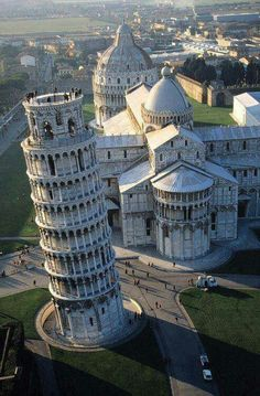 Beautiful View of the Leaning Tower of Pisa, Italy!!!