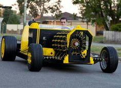 LEGO savants Steve Sammartino and Raul Oaida have constructed a life-sized car made almost entirely out of LEGO bricks – and it runs entirely on air! Read more: Life-Size Hot Rod Made Entirely from LEGO Bricks Runs on Air! Auto Lego, Lego Cars, Rc Cars, Lego Technic, Lego Autos, Automobile, Power Cars, Compressed Air, Lego Projects