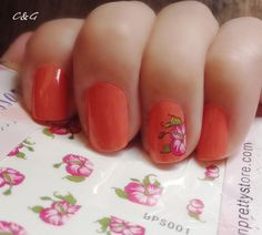 Tropical nail accent