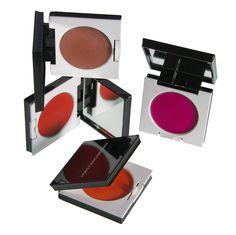 Das Kosmetikstudio von Horst Kirchberger in München vertreibt auch die Produkte seiner eigenen Make-Up Linie | creme münchen