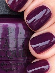 Manicura en color púrpura #uñas #manicura