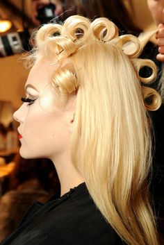 See all the Backstage photos from Christian Dior Spring/Summer 2011 Couture now on British Vogue Love Hair, Gorgeous Hair, Beautiful, Hair Styles 2014, Curly Hair Styles, Pin Curls, Dior Couture, Couture Fashion, Thats The Way