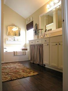 tile that looks like hardwood floor | Awesome floors...look like hardwood...but they're ... | bathroom desi ...