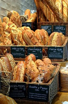 What catches your eye at the market? Is it the earthy textures and tones of fresh bread? Incorporate that into your cooking more often! Bread Display, Bakery Display, Bakery Store, Bakery Cafe, Bakery Interior, Bread Shop, Pizzeria, Café Bar, Bakery Design