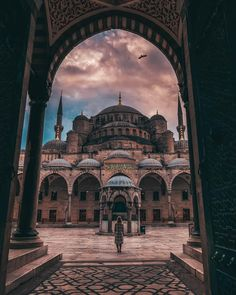 The Blue Mosque in Istanbul is like falling in lov. - The Blue Mosque in Istanbul is like falling in lov. Beautiful Mosques, Beautiful Places, Hagia Sophia Istanbul, Blue Mosque Istanbul, Restaurants In Paris, Places To Travel, Places To Go, Turkey Destinations, Mecca Wallpaper