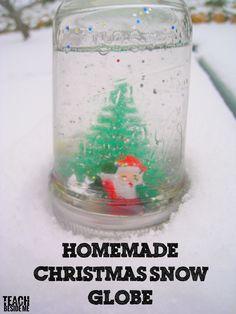 Homemade Christmas Snow Globe #christmascraft #crafts #christmas #snowglobe via @karyntripp