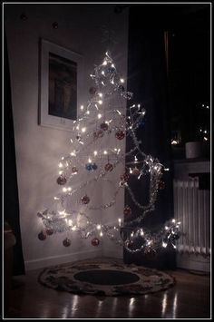 Our Christmas unTree (with updated tutorial-ish pictures)