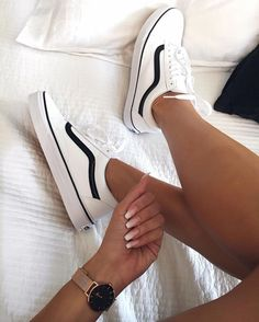 white sneakers perfect for any time of the year. Visit Daily Dress Me at dailydre . - kleidung - Shoes World Sneakers Vans, Moda Sneakers, Girls Sneakers, Sneakers Fashion, Fashion Shoes, Vans Shoes Outfit, Vans Tennis Shoes, Black Shoes Sneakers, Girls Shoes