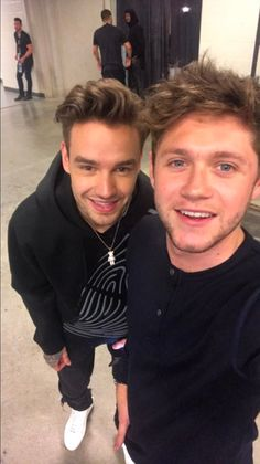 Liam Payne and Niall Horan during the hiatus... Niall brought our expectations back by taking this selfie