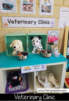 Fun Dramatic Play Ideas Veterinary Clinic dramatic play center and printables ~ Fairy Poppins Dramatic Play Themes, Dramatic Play Area, Dramatic Play Centers, Preschool Dramatic Play, Play Corner, Role Play Areas, Play Centre, Play Based Learning, Creative Play
