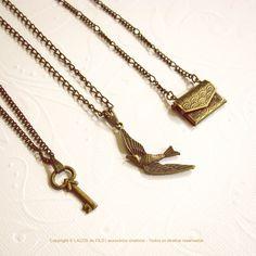 Chave + Pássaro + Envelope Carta.  #necklace #pingentes #colares #key #bird  www.lacosdefilo.com