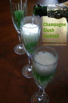 Champagne Slush Cocktail - a perfect spring or summer cocktail (remember it for a brunch or shower!)
