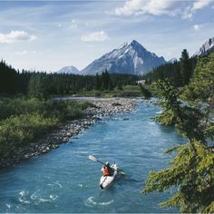 folklifestyle:  Canmore. Photo by @goldiehawn_ #liveauthentic...