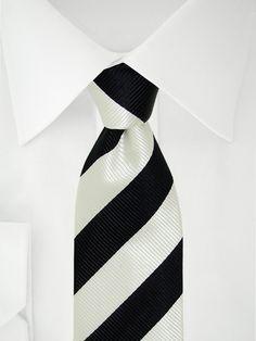 Schwarz weiß gestreifte 7 Fold Krawatte