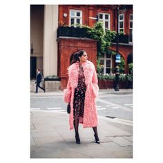 Sonam Kapoor never fails to prove that she is the most fashionable actress of the Sonam Kapoor Instagram, Sonam Kapoor Photos, Pink Faux Fur Coat, Cinderella Gowns, Milan Fashion Weeks, Bollywood Stars, Boss Lady, Bollywood Actress, Her Style
