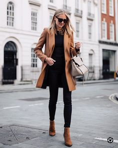 If there is one thing I always buy during fall, its a camel coat. The stylish yet versatile coat pairs perfectly with dressy or casual outfits. Winter Outfits 2019, Stylish Winter Outfits, Winter Fashion Outfits, Fall Outfits, Casual Outfits, Work Outfits, Fashion Clothes, Casual Wear, Fashion Casual