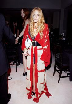 TBT: Mary-Kate Olsen's Insanely Cool Kimono via @WhoWhatWear