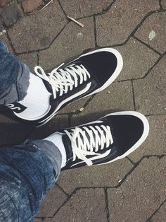 a13ca1d8295c8e Vans Vault x Our Legacy Old Skool Pro ´92 LX Black on feet
