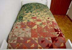 Single Bed Quilts, Rustic Bed Quilts, Cottage Bed Quilts, Bed Quilt Topper, Single Bedspread, Single Bed Quilt Top, Green Bed Quilts von SolvejgMayerQuilts auf Etsy Rustic Quilts, Rustic Bedding, Rustic Farmhouse Decor, Rustic Decor, Quilt Bedding, Bed Quilts, Green Bedding, Quilt Top, Bed Spreads