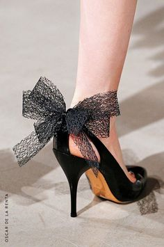 Oscar de la Renta. Bow Stiletto. The Designer Shoes and Bags That Will Be Huge This Fall via @WhoWhatWear