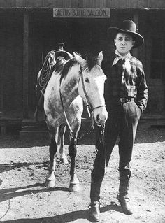 "Harry Carey as Cheyenne Harry in ""Straight Shooting"" Western Film, Western Movies, Silent Film Stars, Movie Stars, Hollywood Stars, Old Hollywood, Jack Ford, Harry Carey, Happy Trails"