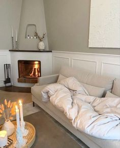 living room decor candles plants and couch Home Interior Design, Interior Architecture, Room Interior, Aesthetic Rooms, Cream Aesthetic, Dream Apartment, My New Room, House Rooms, Living Spaces