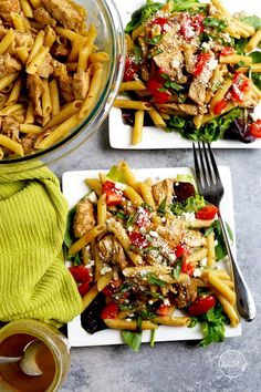 This Greek pasta with chicken is the perfect low-key meal for summer, plus it is inspired by one of my local favorites: Taziki's Friday pasta special. Pasta Recipes, Salad Recipes, Chicken Recipes, Dinner Recipes, Healthy Recipes, Sweets Recipes, Yummy Recipes, Healthy Food, Yummy Food
