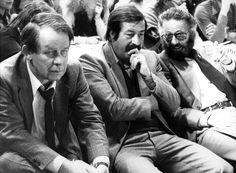 Im Mittelpunkt des Literaturbetriebs der Bundesrepublik: Günter Grass beim Kongress des Verbandes Deutscher Schriftsteller 1980 zwischen Siegfried Lenz (links) und Fritz J. Raddatz