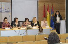 #entreMujeres actos Dia internacional de la Mujer 2015