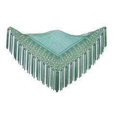 Mantoncillo de flamenca en tonos verde hoja con encaje de guipur y fleco de hilo de seda. Realizado a mano, pieza única y exclusiva.