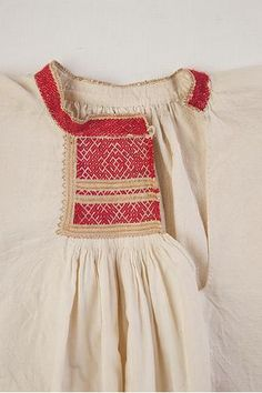 FolkCostume&Embroidery: Rekko costumes of the Karelian Isthmus and Ingria, former regions of Finland and today national dresses of Finnish Karelian counties Art Costume, Folk Costume, Theatre Costumes, Russian Folk, Ethnic Patterns, Just Dream, Russian Fashion, Carnival Costumes, Clothing Patterns