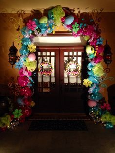 Wow, what an Easter Entrance! Hoppy Easter, Easter Bunny, Easter Eggs, Easter Crafts To Make, Holiday Crafts, Easter Decor, Easter Ideas, Easter Projects, Easter Recipes