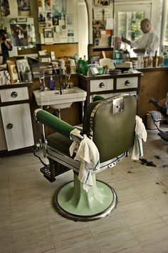Everything from the somewhat lost art of traditional barbering. From Proraso to pomade. Here's to keeping the dream alive! Barber Shop Interior, Barber Shop Decor, Barber Chair Vintage, Tattoo Studio, Barber Shop Haircuts, Barbershop Design, Barbershop Ideas, Shaved Hair Cuts, Barber Shop Quartet