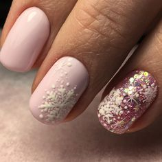 Winter Manicure: What's hot this season (Photo … - Trend Nails Xmas Nails, Holiday Nails, Christmas Nails, Christmas Snowflakes, Winter Christmas, Christmas Ideas, Holiday Ideas, Pink Nails, Gel Nails