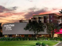 Phoenix (AZ) Doubletree Guest Suites Phoenix Hotel United States, North America Stop at Doubletree Guest Suites Phoenix Hotel to discover the wonders of Phoenix (AZ). Offering a variety of facilities and services, the hotel provides all you need for a good night's sleep. To be found at the hotel are 24-hour front desk, facilities for disabled guests, express check-in/check-out, luggage storage, Wi-Fi in public areas. Comfortable guestrooms ensure a good night's sleep with some...