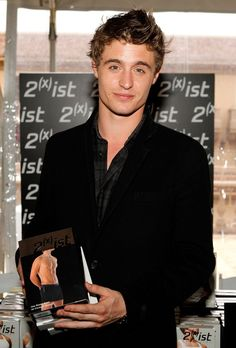 26 Pictures of Max Irons Looking Utterly Adorable