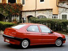 Alfa Romeo 146.
