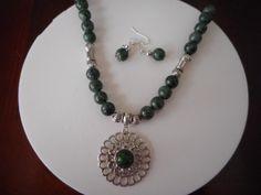 Collares,Collar verde, Collar Fosil, collar con colgante, collar y aretes…