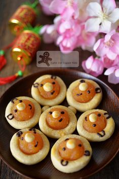 Bake for Happy Kids: Searching for More Best Pineapple Tarts Chocolate Thumbprint Cookies, Apple Cookies, Cake Cookies, Tart Recipes, Baby Food Recipes, Cookie Recipes, Yummy Recipes, Chinese New Year Cookies, Malaysian Food