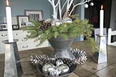 Christmas Tablescape - The Lilypad Cottage
