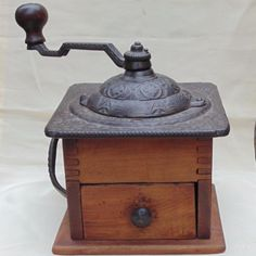 Antique-Logan-Strobridge-ornate-cast-iron-dovetailed-wood-coffee-grinder-mill