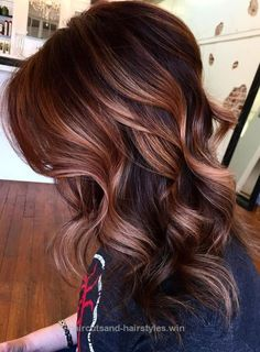 Look Over This 33 Hottest Copper Balayage Ideas for 2017  The post  33 Hottest Copper Balayage Ideas for 2017…  appeared first on  Haircuts and Hairstyles . Fall Hair Color For Brunettes, Fall Hair Colors, Auburn Hair Colors, Fall Hair Color 2017, Copper Balayage Brunette, Copper Hair Highlights, Copper Bayalage, Copper Ombre, Copper Nails