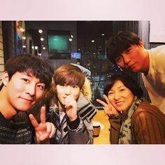 "[INSTAGRAM] 141206 Actor Kim Donghwan Instagram update ""Mom came to Seoul. I'm happy !!!!!!! Date!! #Mom #ILoveYou #Second #And third #IAlsoLoveYouGuys…"