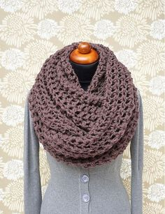 crochet chunky scarf - this site is not in English, but you could probably still buy this... #inspiration
