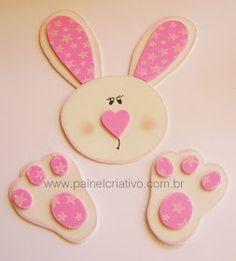 Baú da Tia Sonia: PÁSCOA Cd Crafts, Bear Crafts, Easter Crafts, Arts And Crafts, Happy Easter, Easter Bunny, Diy Osterschmuck, Plastic Bottle Crafts, Diy Easter Decorations